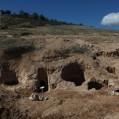 کشف ۱۰۰ گور دخمهای در محوطه باستانی وستمین