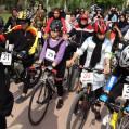 دومین همایش دوچرخه سواری بانوان درنکا برگزارشد/ تصویر